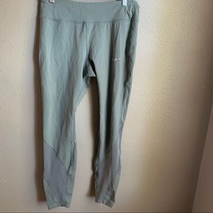 Nike Seafoam Green Mesh Leggings Size Large